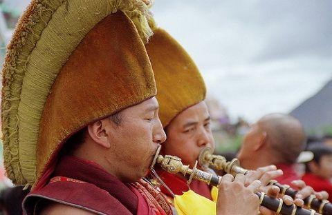 Monks & gyalings