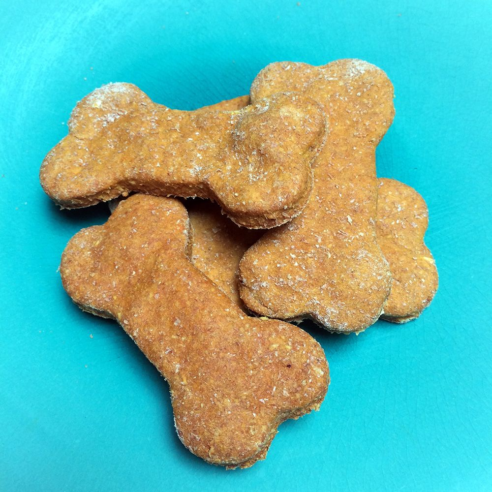 Kimi's Homemade Dog Biscuits with a secret ingredient - Jewel Yams! #dogbiscuits #biscuitrecipe