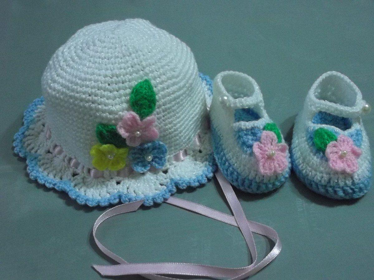 Zapatitos Y Gorritos En Juego Tejidos A Crochet Para Bebe - S . 35 ... 2f5c7200267