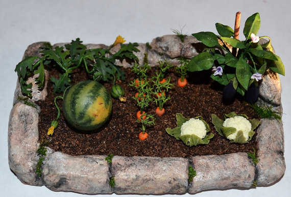Miniature Garden, Dollhouse garden, Miniature Vegetable ,miniature plant, dollhouse plant, miniature flowers, scale one inch, scale of 1:12