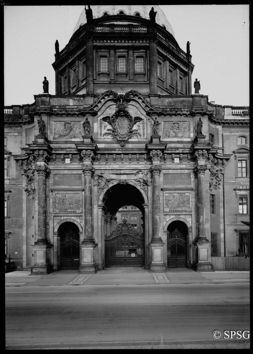 Berlin Schloss Berlin Eosanderportal Unbekannt Bildindex Der Kunst Architektur Bilder Architektur Stadtschloss