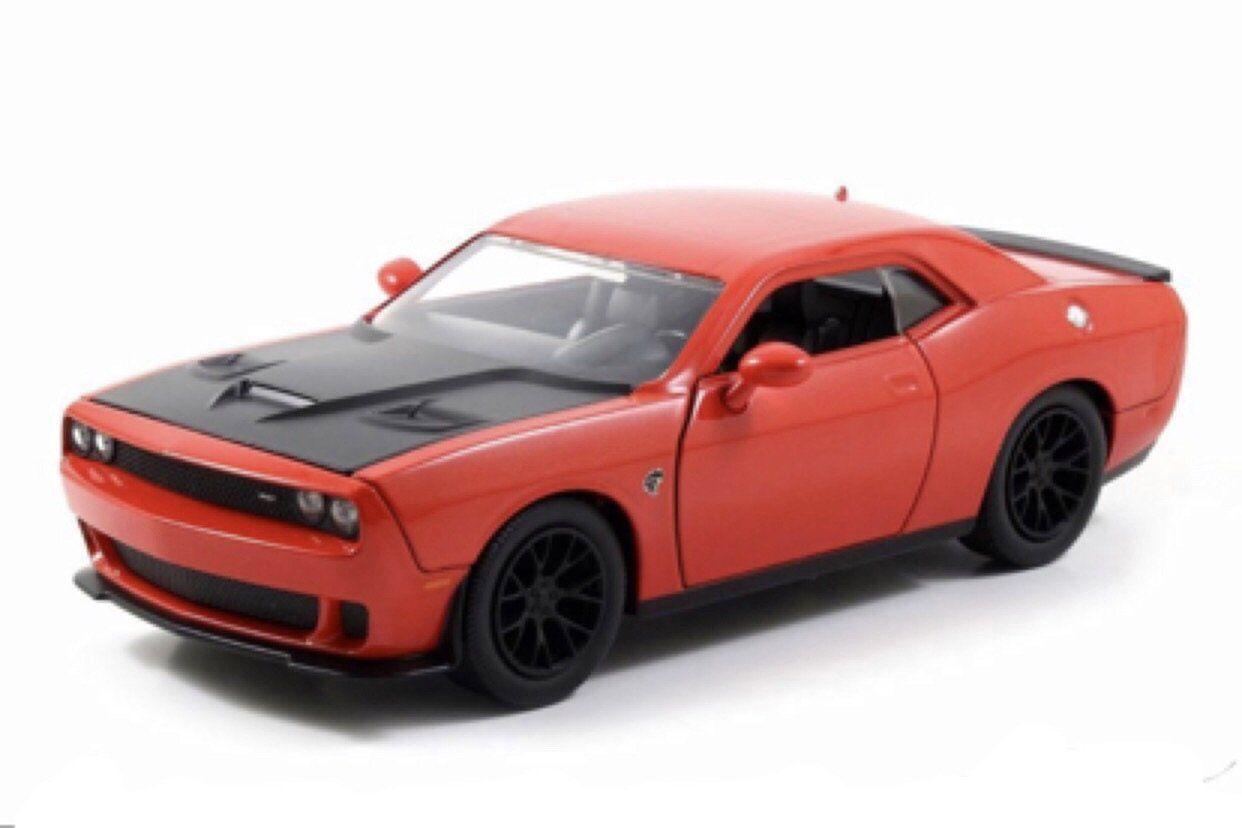 Maisto 1:24 DODGE Challenger SRT8 Diecast Metal Model Car Toy Orange