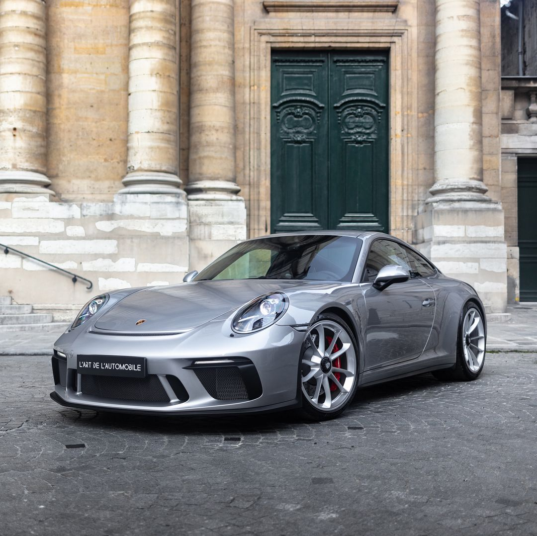 L Art De L Automobile Kar On Instagram Brand New Silver Gt 991 2 Gt3 Touring Now Online At L Art Lartdelautomobile Paris Porsche Porsche For Sale Touring