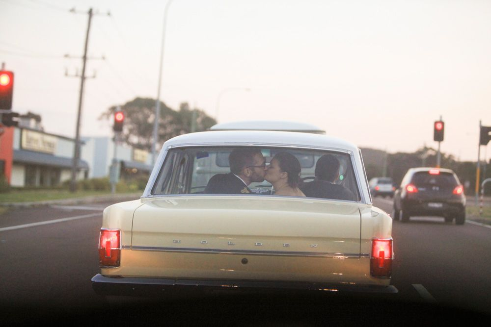 Kiss In Old Eh Holden Newcastle Nsw Www Somethingbluephotography