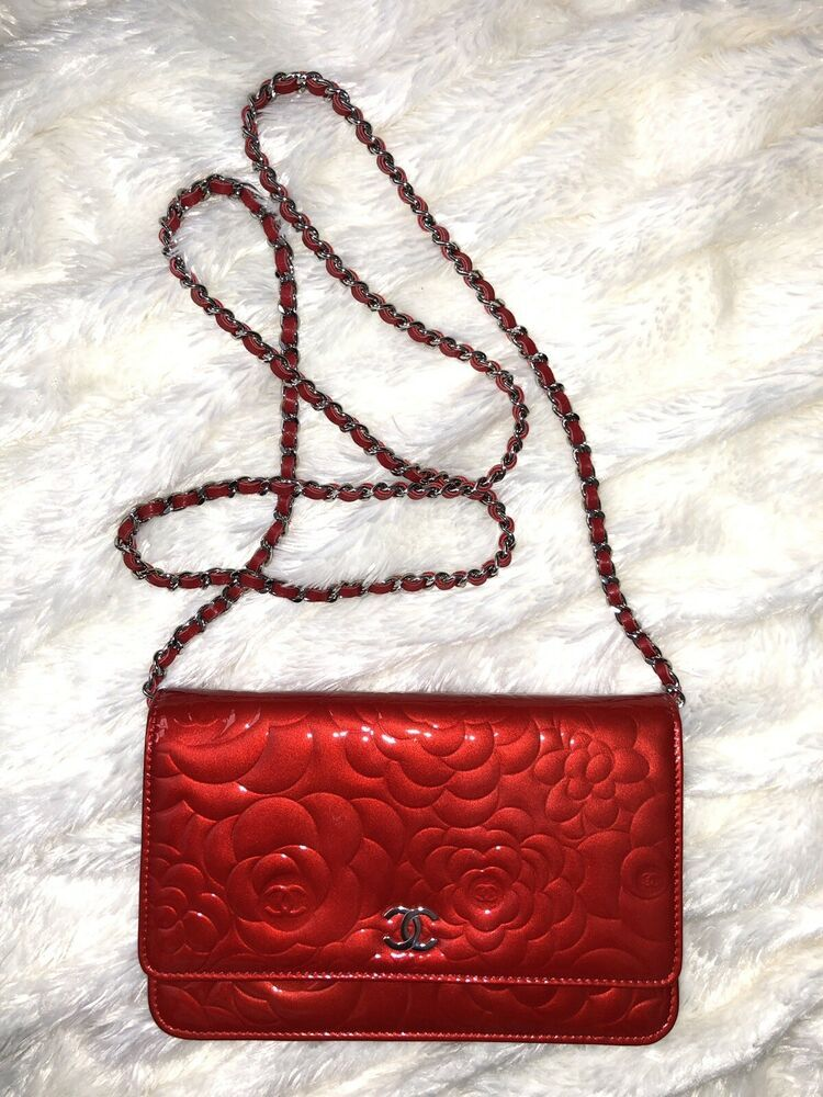 2ee0e370f810 Pre-loved CHANEL RED CAMELLIA WOC Patent leather Bag Wallet On Chain Mini  Clutch