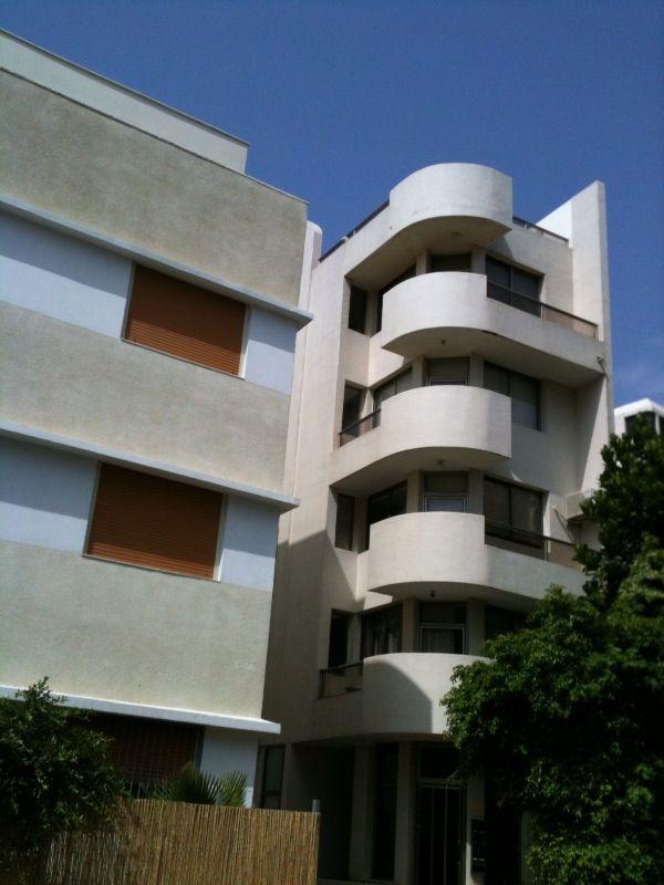 Bauhaus Tel Aviv Bauhaus architecture, Bauhaus art