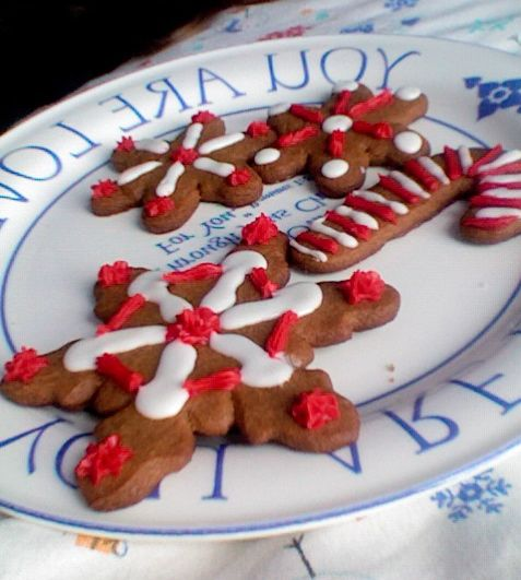 Gingerbread Christmas cookies! It's not that hard!