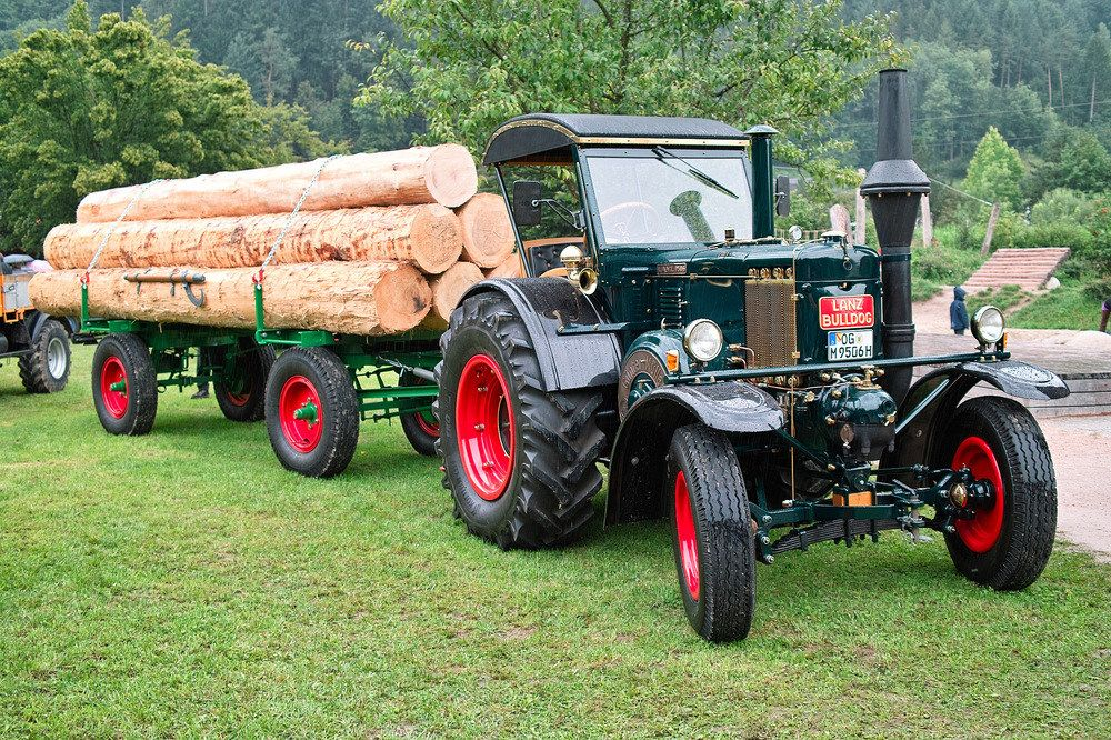 der lanz bulldog als schwere zugmaschine in der holzwirtschaft von mgh old tractors pinterest. Black Bedroom Furniture Sets. Home Design Ideas