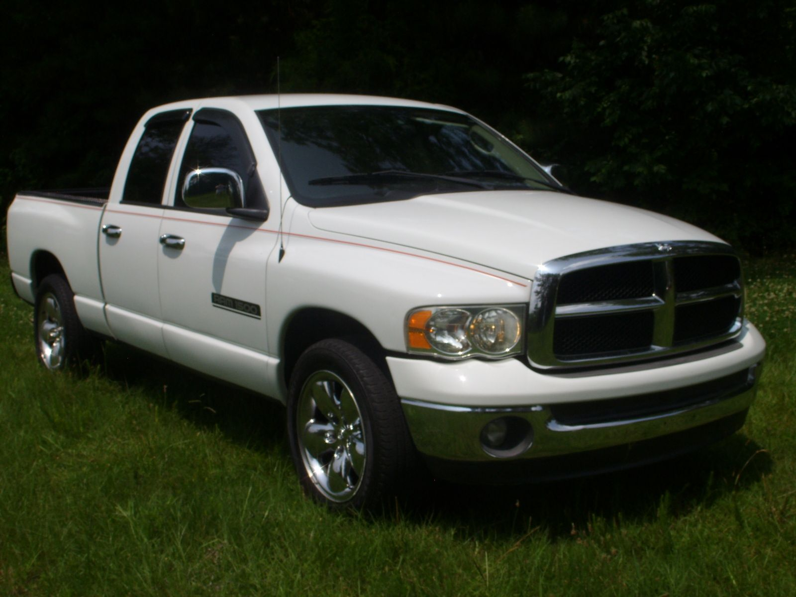 One super nice looking Ram1500 Crew Cab! Fully serviced