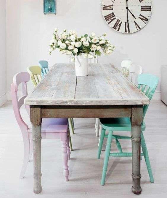 Decapare un tavolo - Tavolo shabby in legno decapato