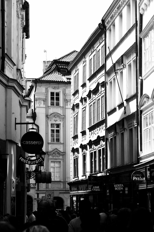 Postcards from Prague   Weiße fotografie, Altstadt und Schwarz weiß