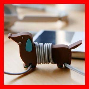 Too cute earphone winder.
