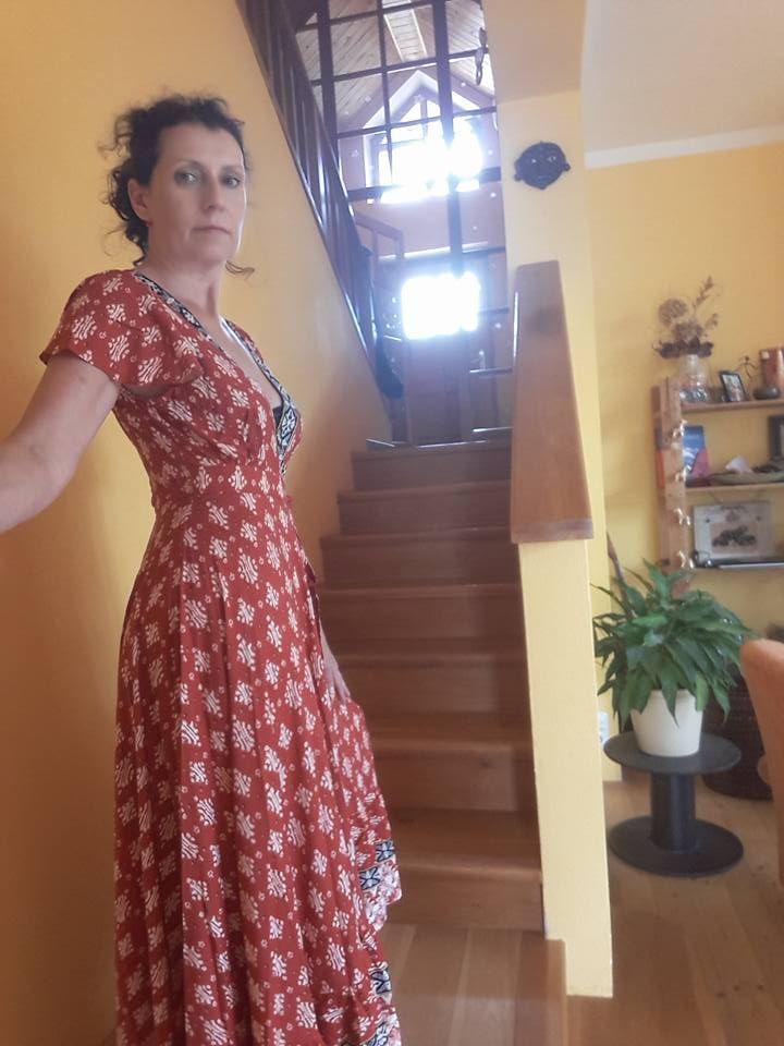 Maxi robe florale à manches courtes