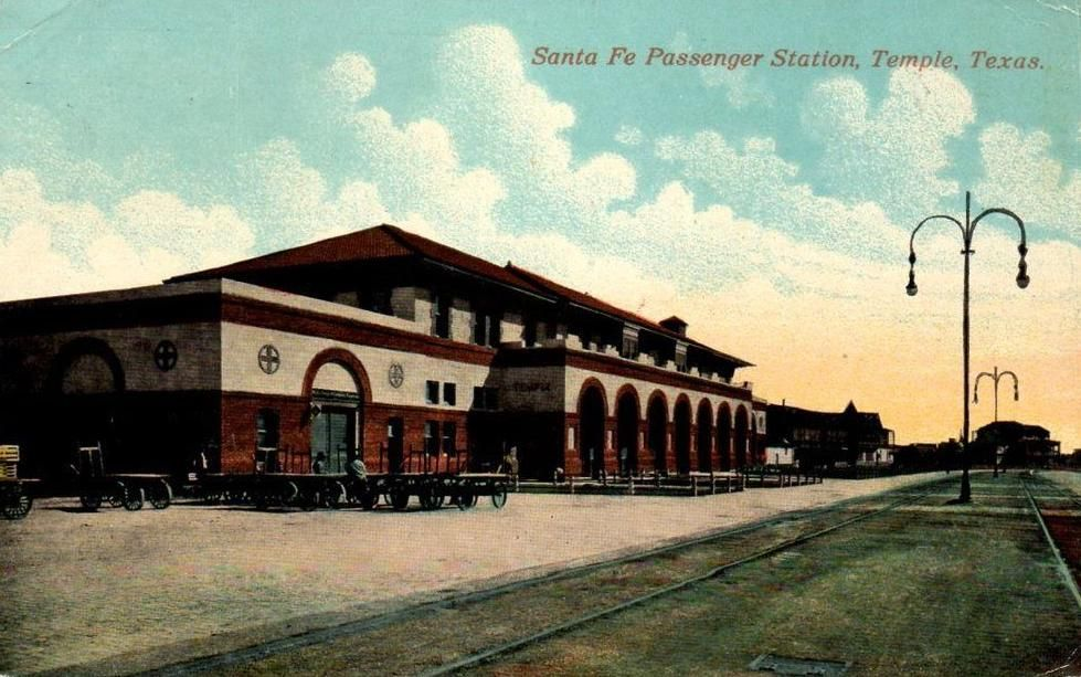 Postcard of Santa Fe Railway's Temple, Texas Passenger