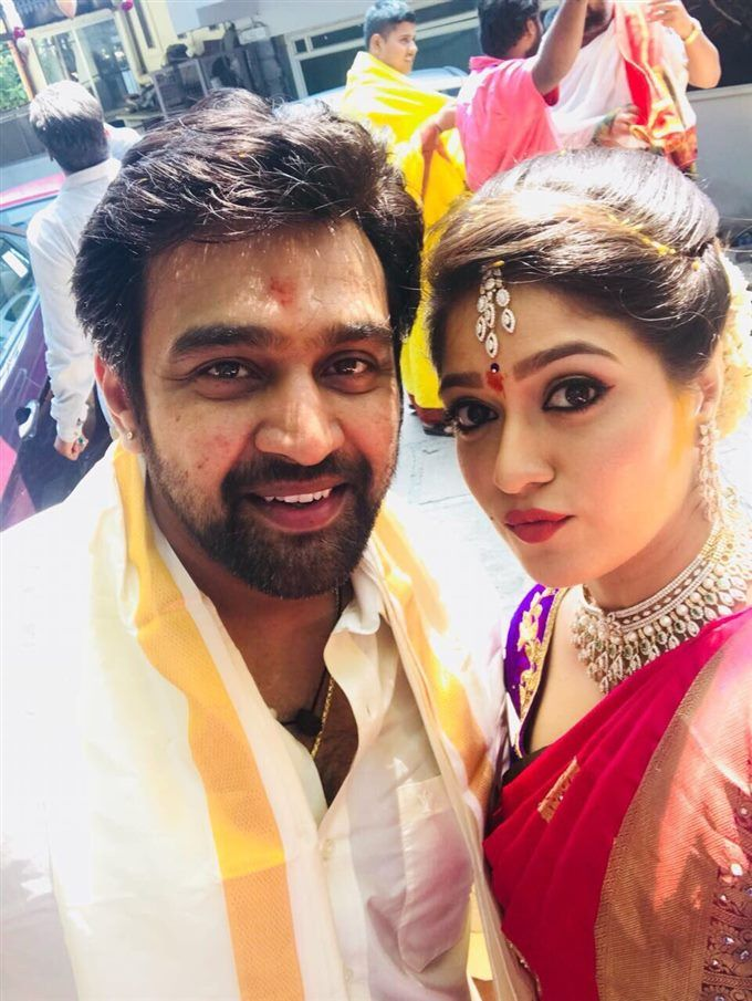 Actress Megna Raj To Hold The Hands Of Kannada Actor Chiranjivi Sarja And They Two Got Engaged At Bengaluru Bride Hairstyles Indian Celebrities Marriage Stills
