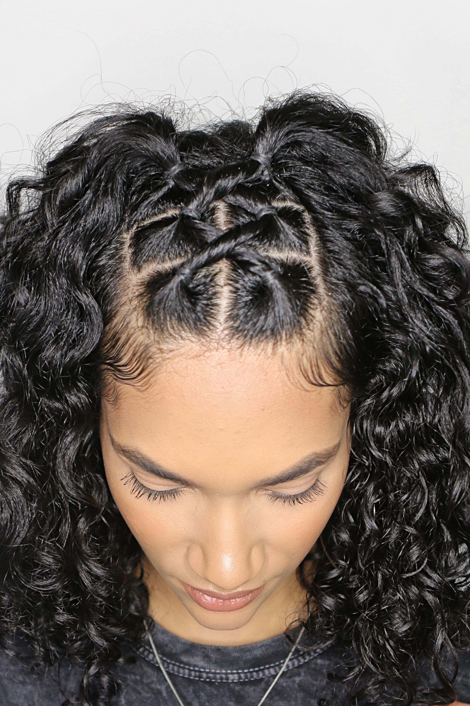 Curly Hairstyle With Rubber Bands Curly Hair Styles Easy Curly Girl Hairstyles Curly Hair Styles Naturally