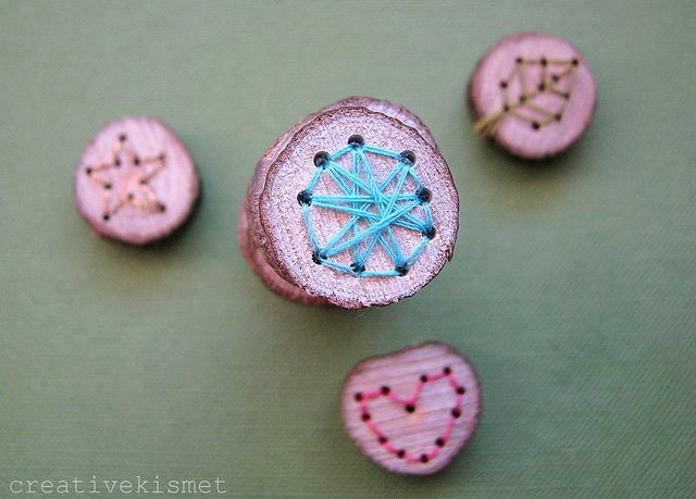 embroidered wooden buttons by Regina (creative kismet), via Flickr