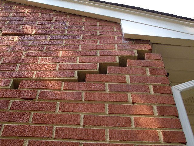Home Buyers How To Spot Structural Damage Foundation Repair Brick Repair Concrete Retaining Walls