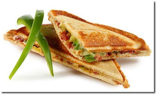Paprika Toast im Sandwich Toaster   - food to go -