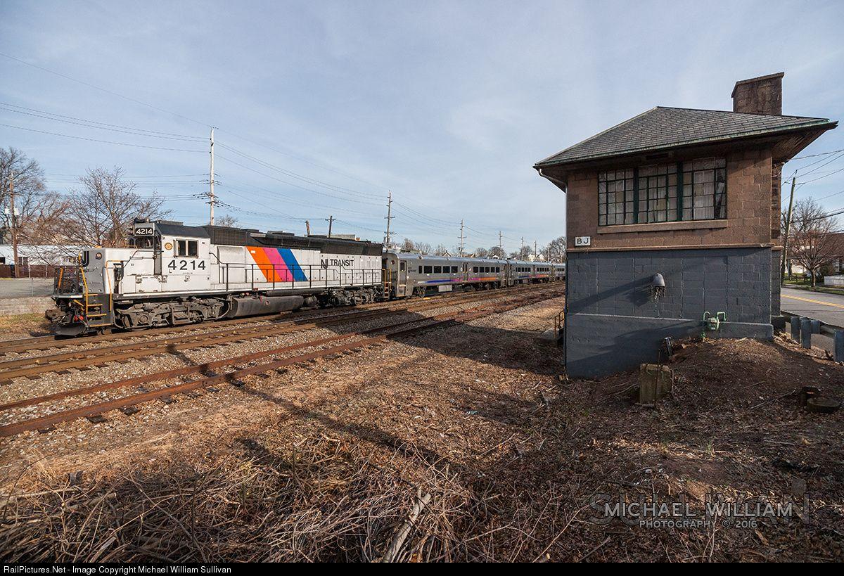 Photo NJTR 4214 NJ Transit EMD GP40PH2B