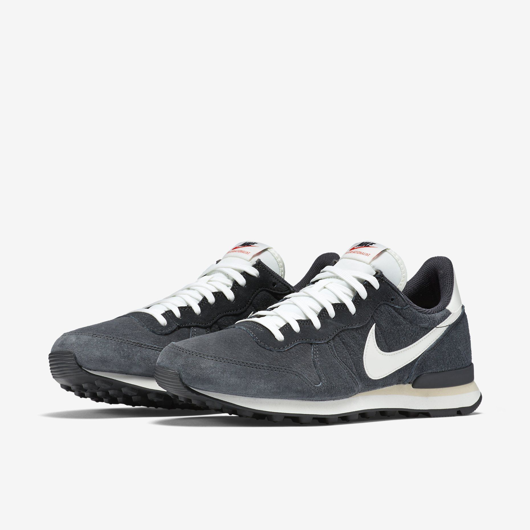 best sneakers d9807 1e564 Nike Internationalist PGS Leather Men s Shoe. Nike Store
