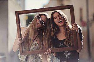 Alimente ainda mais os laços com seus amigos enviando lindos textos para refletir, sentir e suspirar.   Confira: Textos sobre Amizade