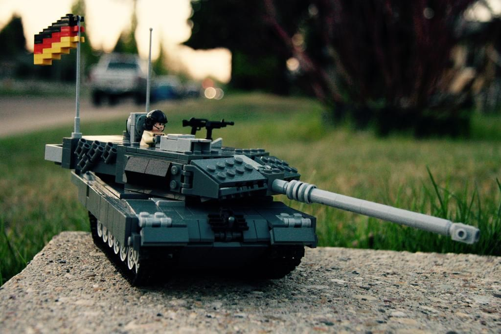 The Armoury • Re: The Leopard 2 Tank Thread  by Valiant