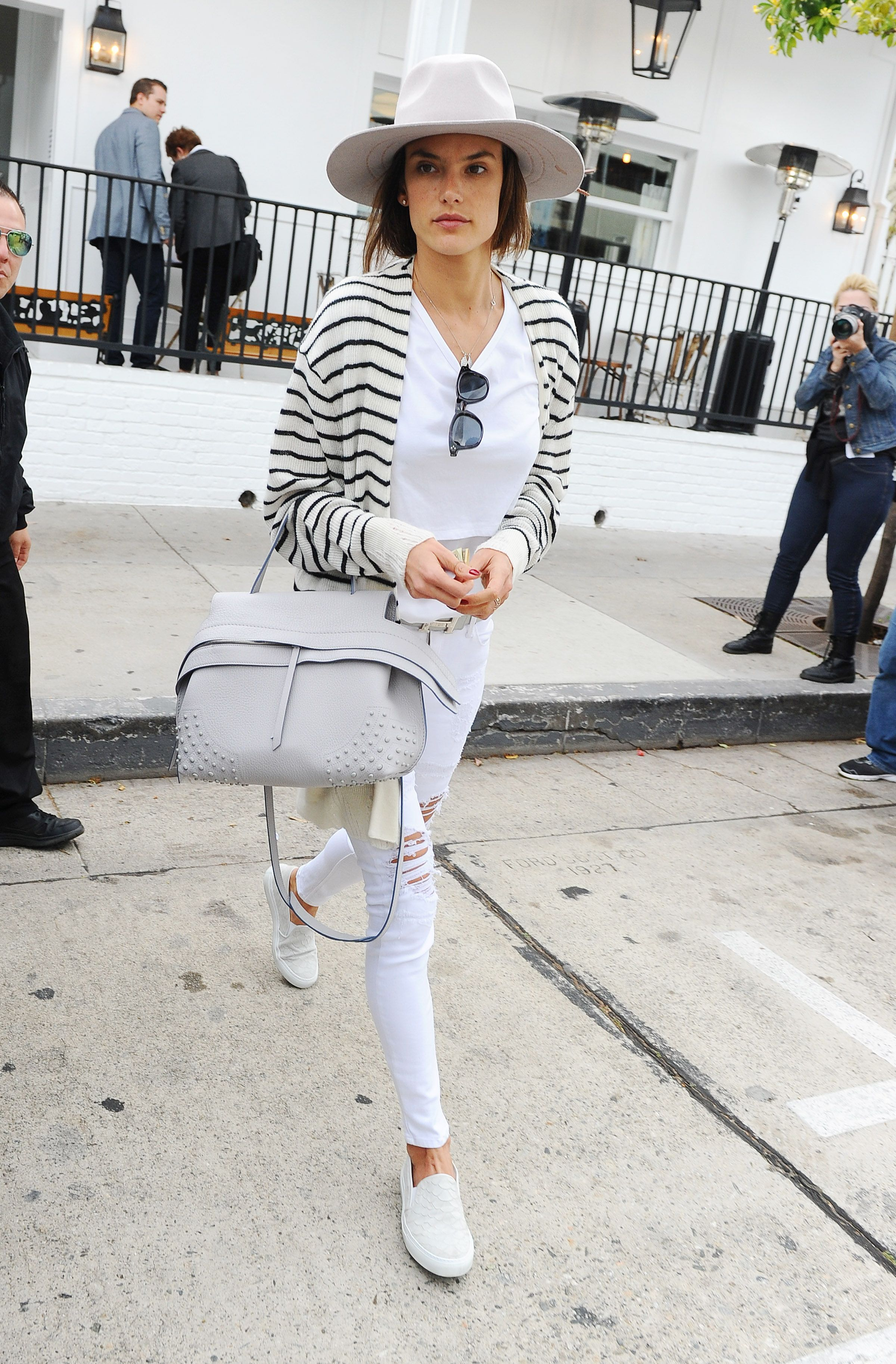 Total white for Alessandra Ambrosio and her Tod s Wave Bag.  Tods   Celebrity  AlessandraAmbrosio b95f2e9849876
