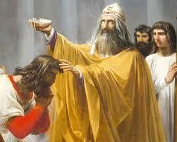 (14) 487 – 1 de marzo: Episodio del vaso de Soissons relatado por Gregorio de Tours. En el curso de un reparto de botín, Clodoveo I ordena cortar  la cabeza de un soldado que había escondido un vaso que debía restituirse a Remigio, el obispo de Reims.