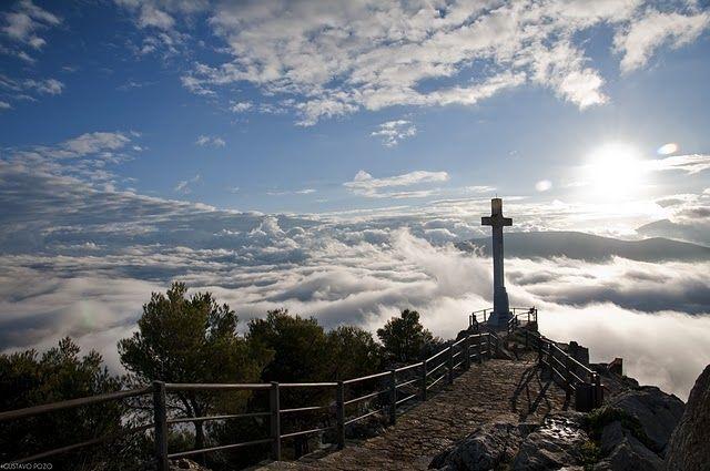 Vistas desde la Cruz del Castillo de Santa Catalina en Jaén ...