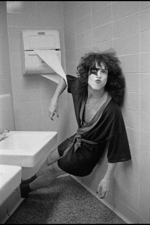 KISS Paul Stanley goes to the bathroom icon Pinterest Paul