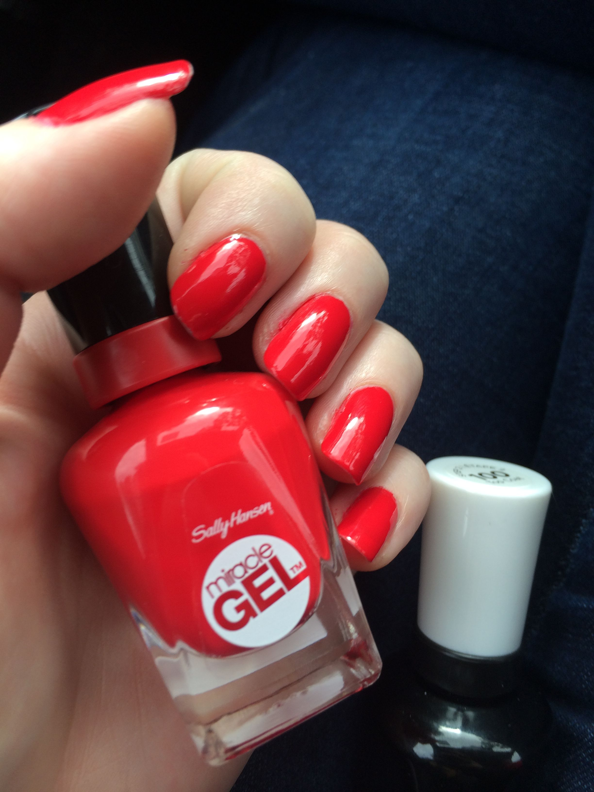 Manicure Monday - OPI DS Classic + Sally Hansen Red Eye | Manicuras ...