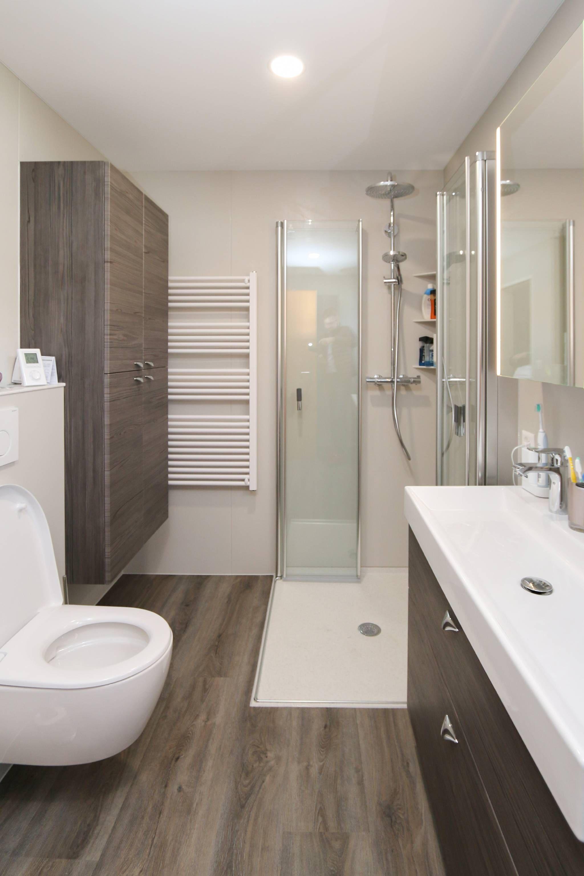 Komplettbadsanierung Von Viterma In 24h Kleine Badezimmer Design Badezimmer Renovieren Badezimmer Komplett