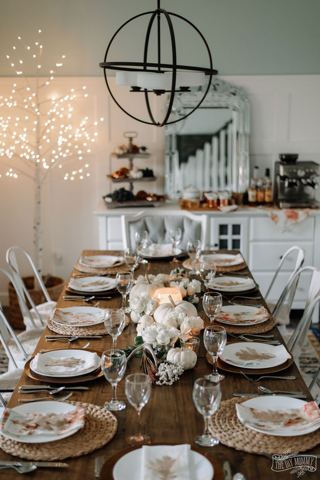 An Elegant Thanksgiving Table for 12 in Whites & Creams ...