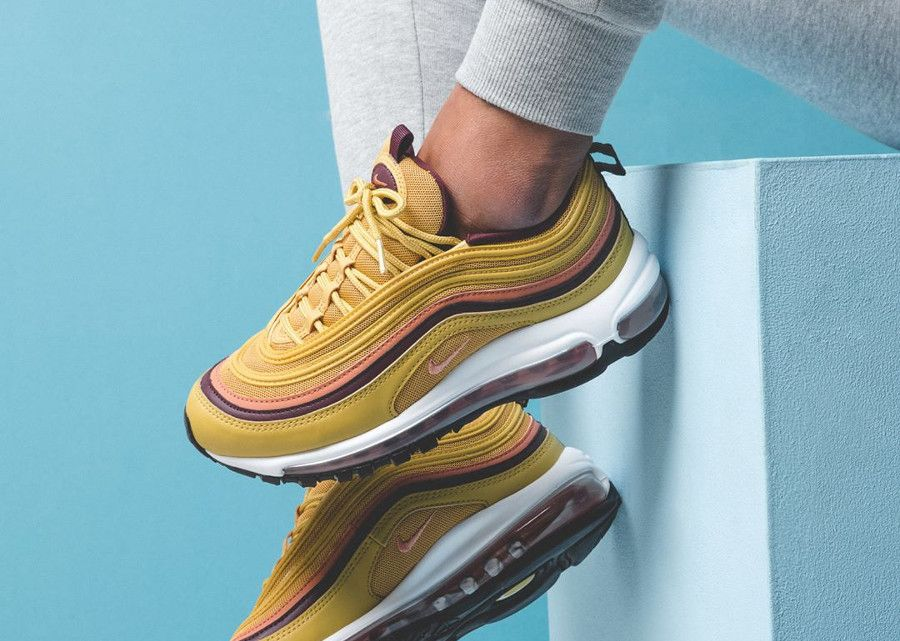Que vaut la Nike Wmns Air Max 97 'Mustard' Wheat Gold ...