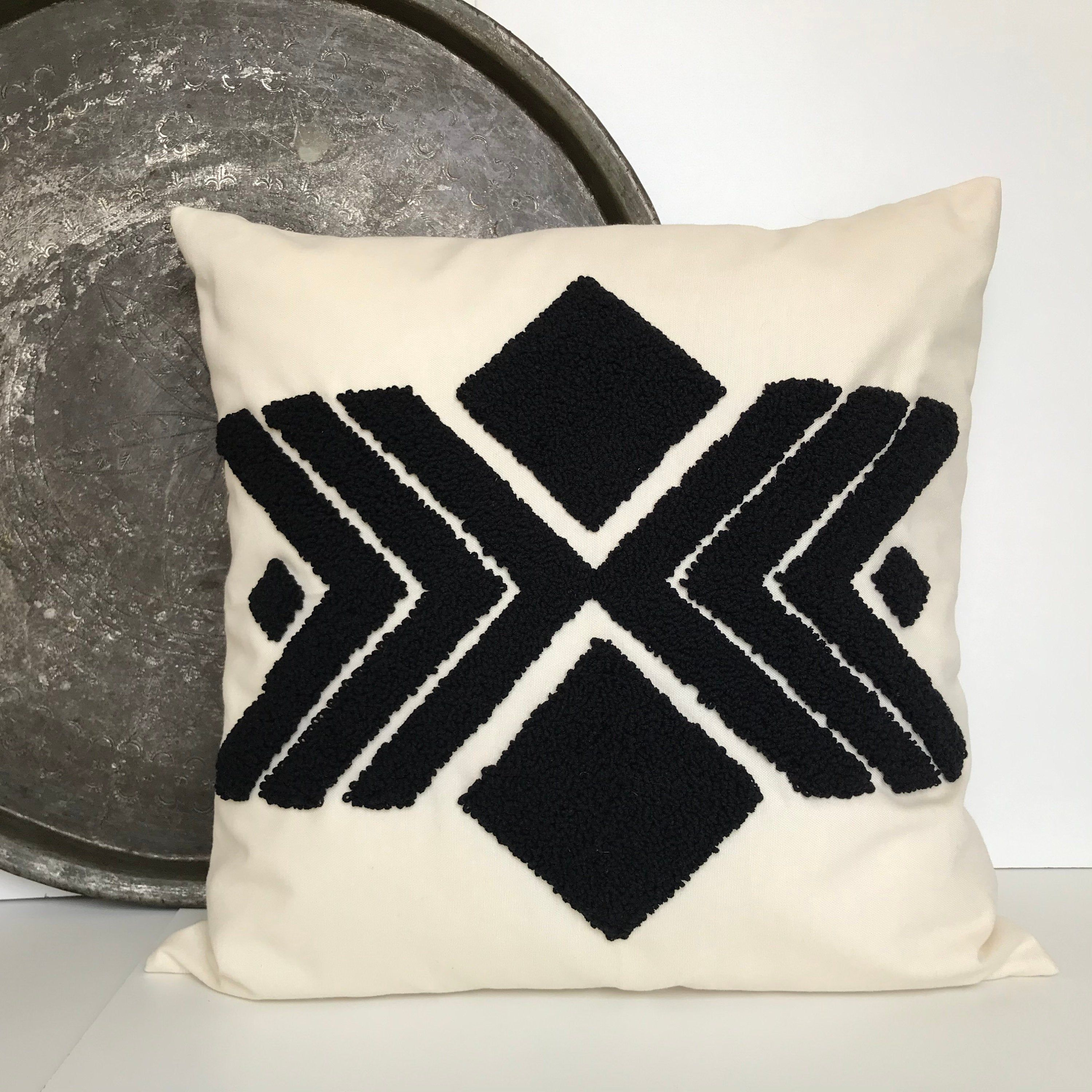20*20 READY SHIP punch needle pillow Handmade Pillow Embroidery Pillow Case Punch home pillow Cover Cotton Pillow Case Black Pillow Cover