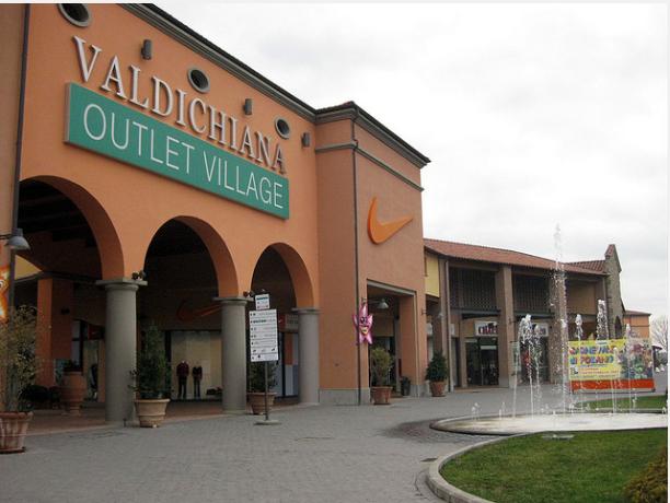 Valdichiana Outlet Village in Foiano della Chiana (Arezzo), Via ...