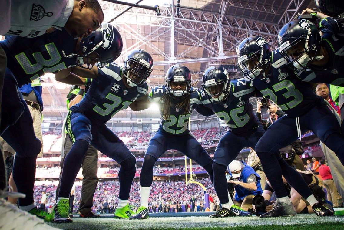 Lob Huddle Sb49 In 2020 Seahawks Football Seattle Seahawks Nfl