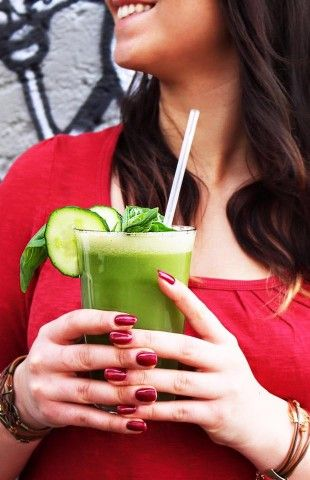 Starte gesund in den März und in den meteorologischen Frühling!  Passend dazu ein frisch-gepresster Z-Saft!!  Stay healthy!  Grüße aus dem Z-Café...
