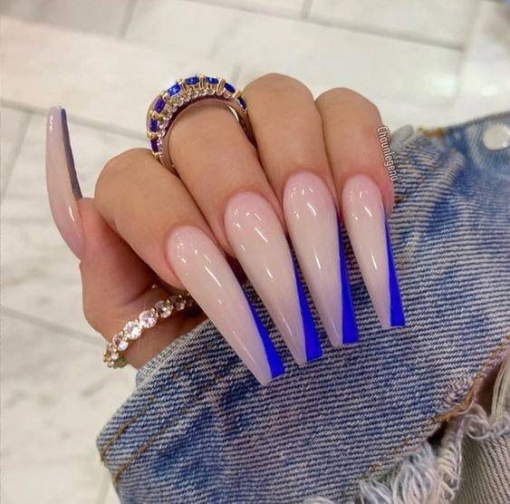33 Glamorous Nail Design Ideas So That You Flaunt Your Nails With Confidence Page 5 Of 33 Creative Vision Design In 2020 Coffin Nails Long Glamorous Nails Color Changing Nails