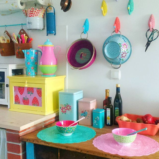 Pastel Coloured Kitchen Accessories: Etsy Favorites In 2019