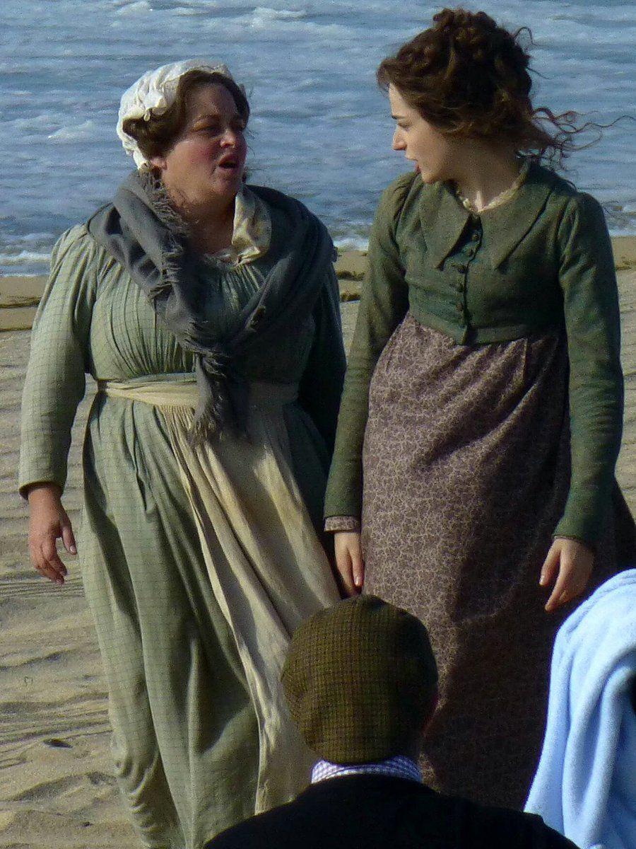 Poldark Season 5 Filming on Holywell Beach 22/9/18  Source