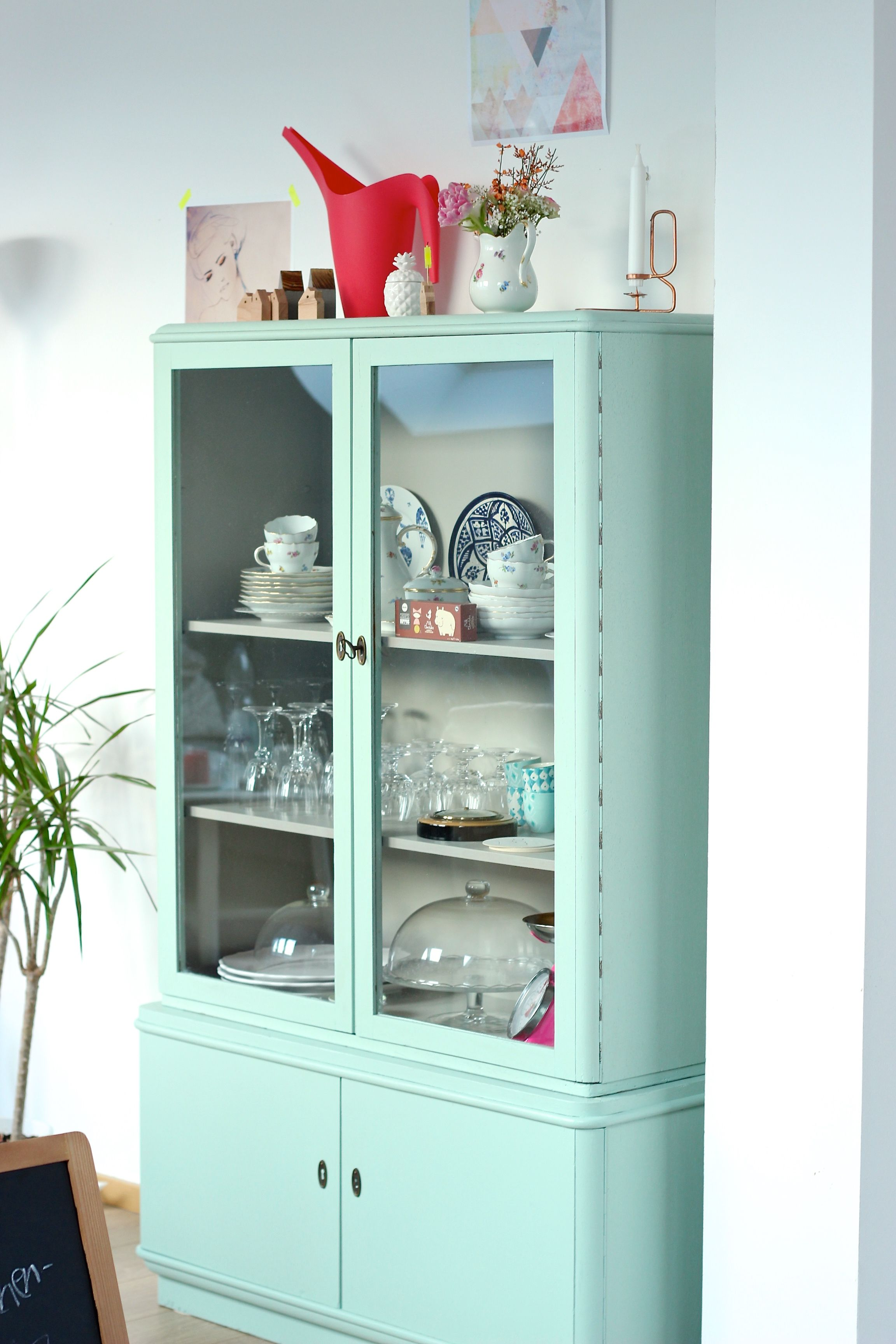 Vitrinenschrank Mint-Pastell | Antique furniture, Dining area and ...
