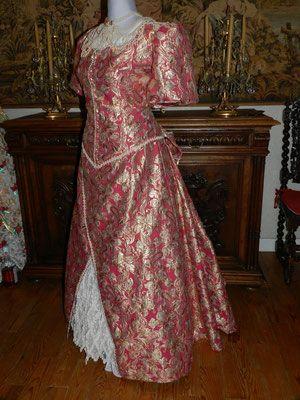 42102232d07 Mon travail - Au Dauphin Couronné Robe longue style Belle Epoque 1900 Prix  France 350 euro