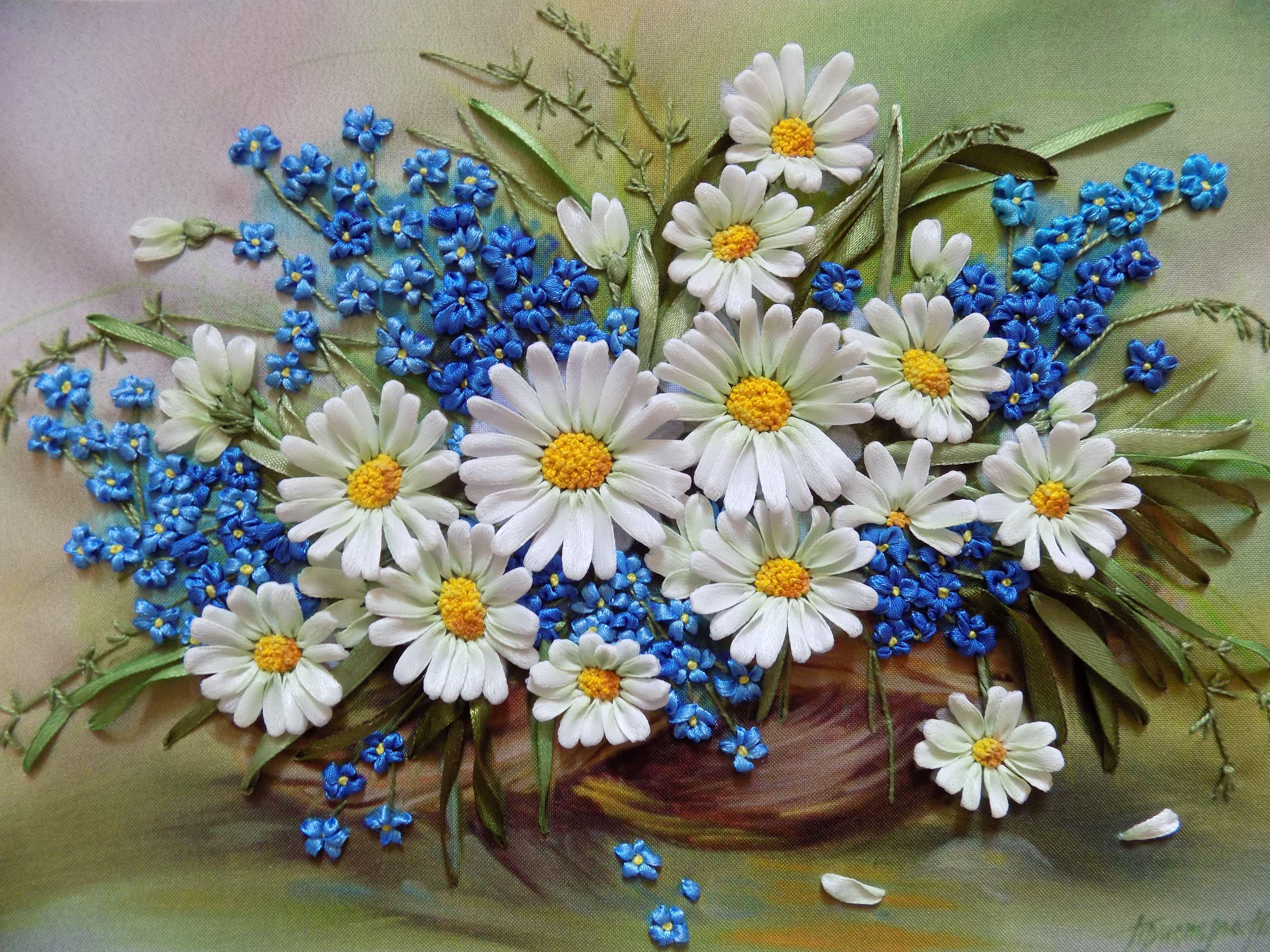 Полевые цветы. Вышивка лентами. Автор: Разживалова Наталья