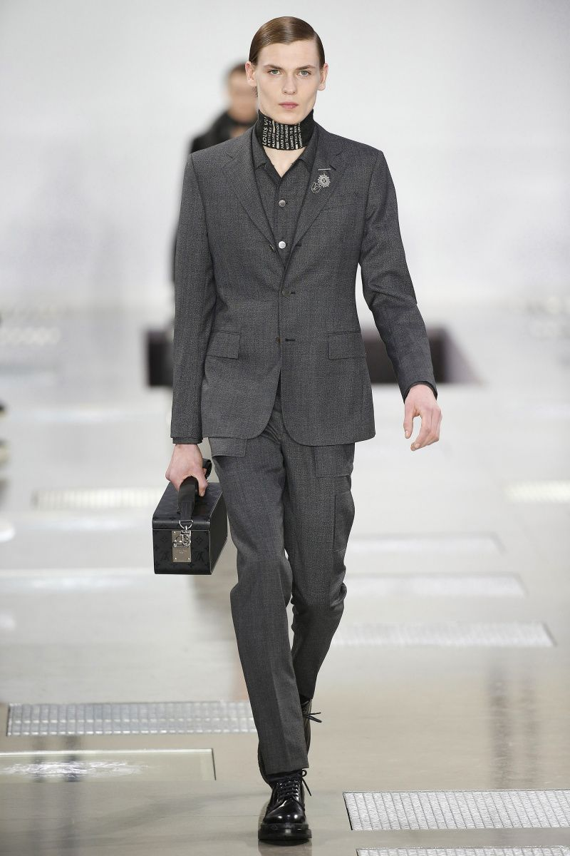 Louis Vuitton   Menswear - Autumn 2016   Look 2