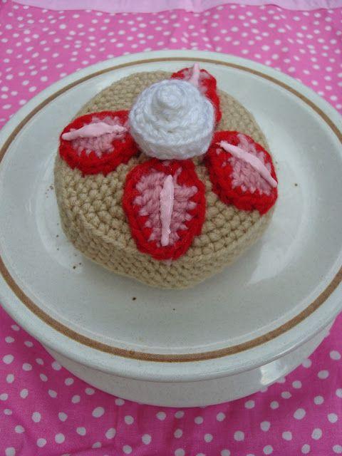 Strawberry Shortcake - Free Crochet Pattern | bolillos | Pinterest ...