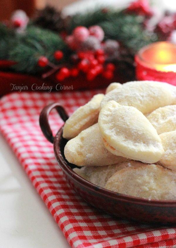 Tanjas Cooking Corner: Christmassy Jam Handpies/ Školjkice punjene džemom @Tanja Heikkilä Heikkilä Heikkilä Heikkilä {Tanja's Cooking Corner}