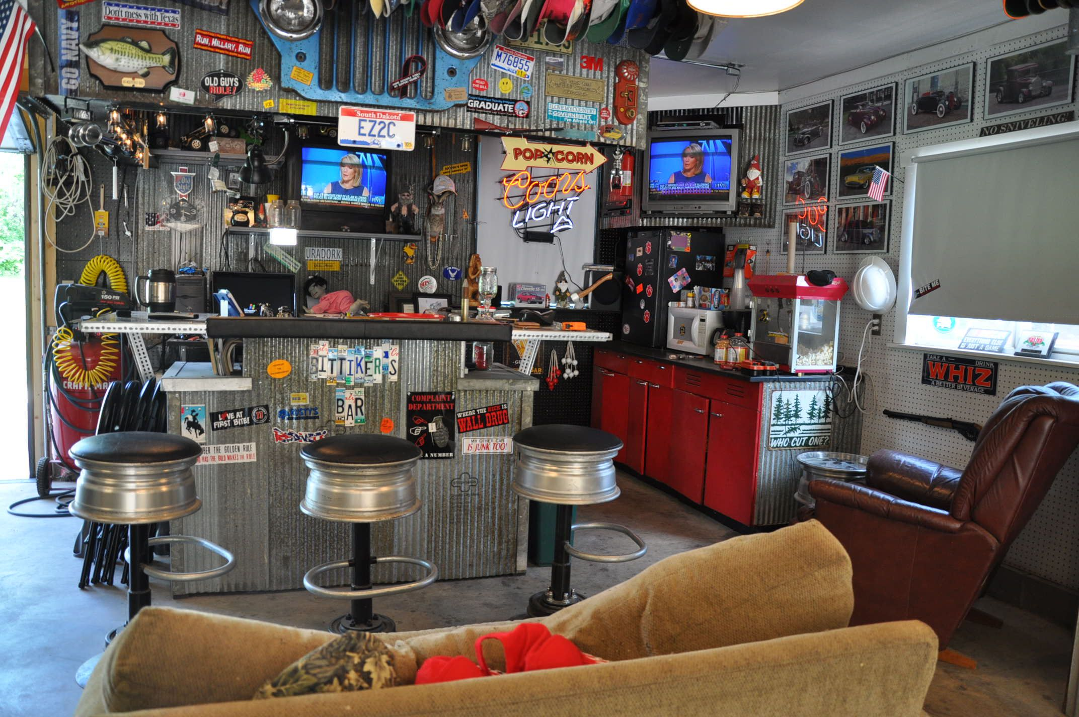 Cool Man Caves : Garages / man caves : Pinterest : Men cave, Small garage and Man caves
