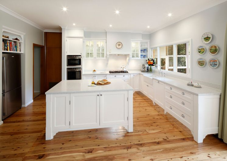 Mirrored kickboards in the kitchen Home Sweet Home Pinterest